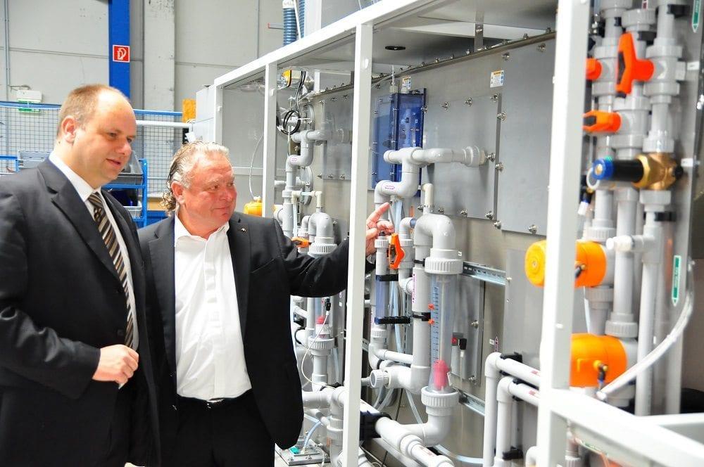 Oberbürgermeister Hilbert zur Besuch bei DAS anlässlich der Ökoprofit-Auszeichnung